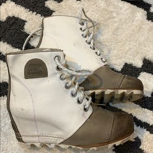 Size 8.5 Sorel Women's 1964 Premium™ Wedge Boot